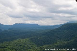 Вид на плато Утюг и Лагонаки